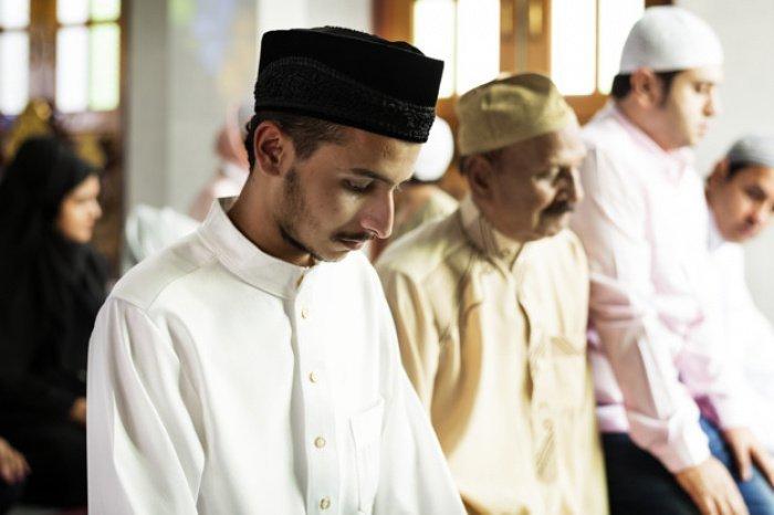 Почему мусульмане ходят в мечеть? (фото: freepik.com)