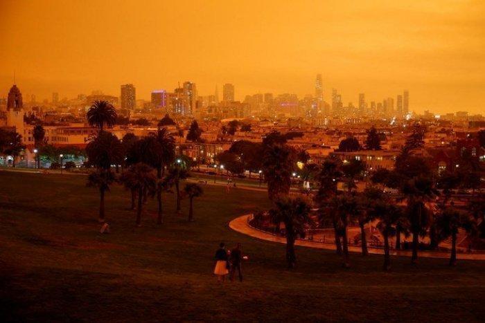 Адский огонь: жуткие кадры пожара в Калифорнии (10 ФОТО)