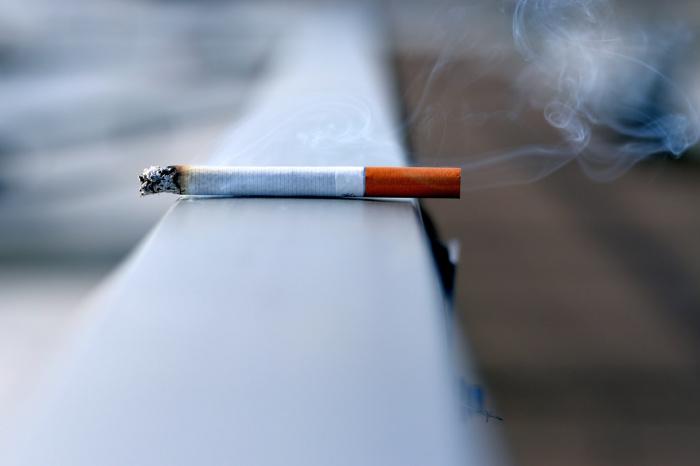 У курильщиков опухоли развиваются более агрессивно, раньше дают метастазы и прорастают в соседние органы