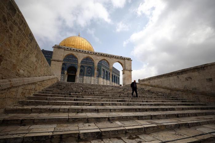 Для верующих закрывается мечеть Аль-Акса.