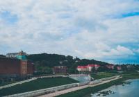 Установлены причины отсутствия туристов в  городах России
