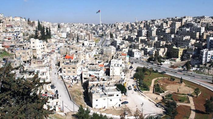 Власти Иордании снова ввели ограничения по коронавирусу.