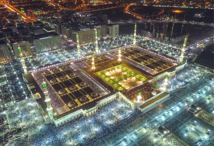 Так могилу пророка Мухаммада (мир ему) не видели более 500 лет (ФОТО)
