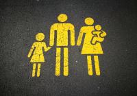 Названо число совершеннолетних россиян, живущих с родителями