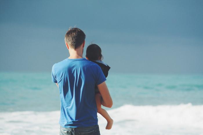 Нынешним летом 14% туристов летали куда-либо с детьми, говорят аналитики сервиса