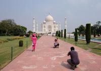 Тадж-Махал принял первых туристов после 6 месяцев карантина