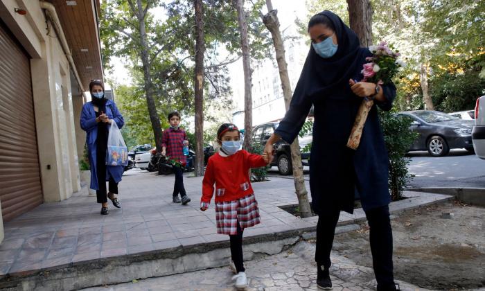 Иран объявил о начале третьей волны коронавируса