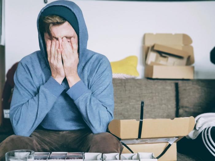 Предполагается, что мигрень может появиться в связи с развитием кортикальной депрессии