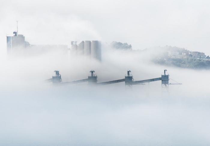 Для выявления уровня преждевременной смертности исследователи воспользовались результатами работ, связывающих показатели летальности со степенью атмосферных загрязнений