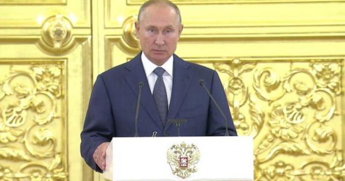 Владимир Путин на встрече с сенаторами.