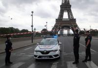 В Париже из-за «бомбы» эвакуировали Эйфелеву башню
