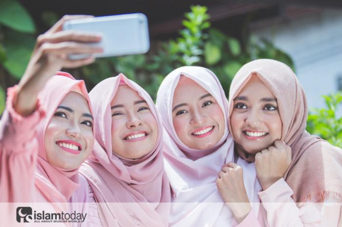 Для богобоязненности достаточно хиджаба? (Источник фото: freepik.com)