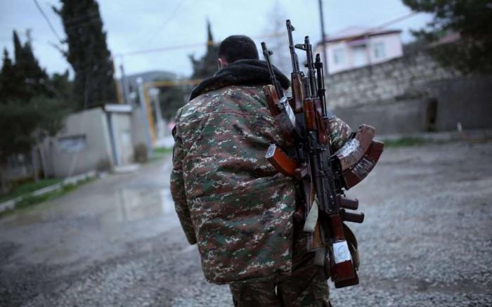 Азербайджан ввел военное положение из-за обострения в Нагорном Карабахе.