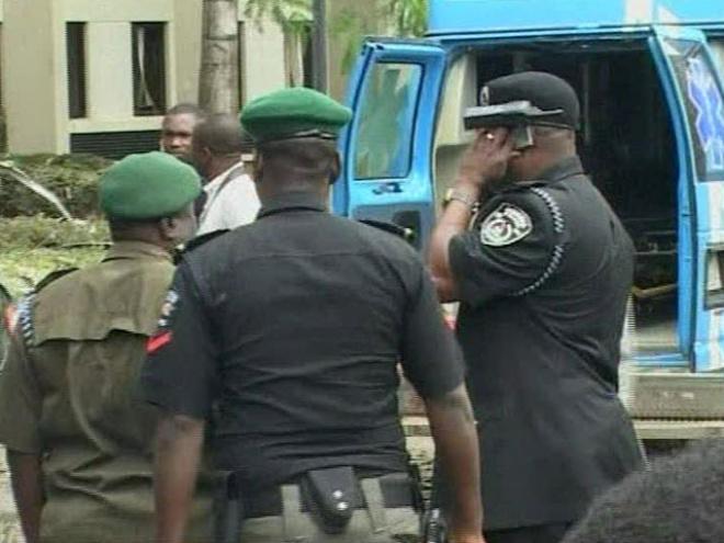 Атака на кортеж губенатора в Нигерии унесла жизни 15 человек.