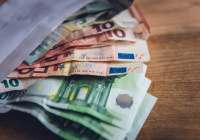 Впервые с 2016 года курс евро превысил 92 рубля