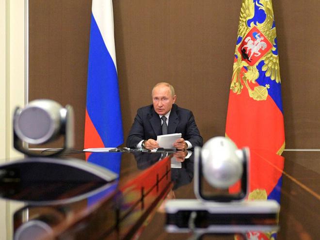 Президент России призвал жителей страны соблюдать ограничения.