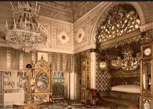 Спальня покойного бея Туниса во дворце Каср ас-Саид