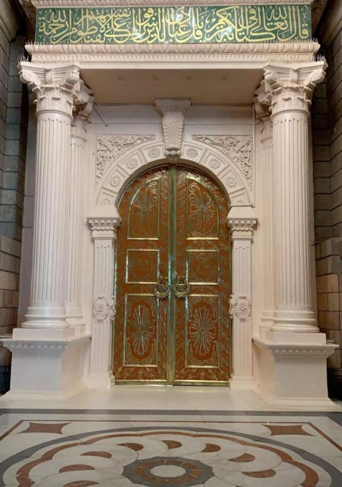 Та самая дверь из знаменитого хадиса о дожде (ФОТО)