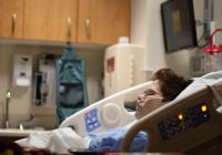 Заполненность коек для больных COVID-19 в России приблизилась к 90%