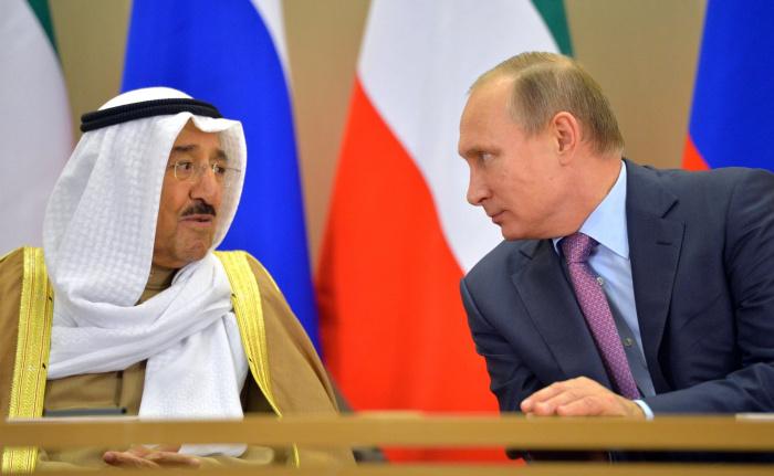 Лидеры России и Кувейта на встрече в Сочи в 2015 году.
