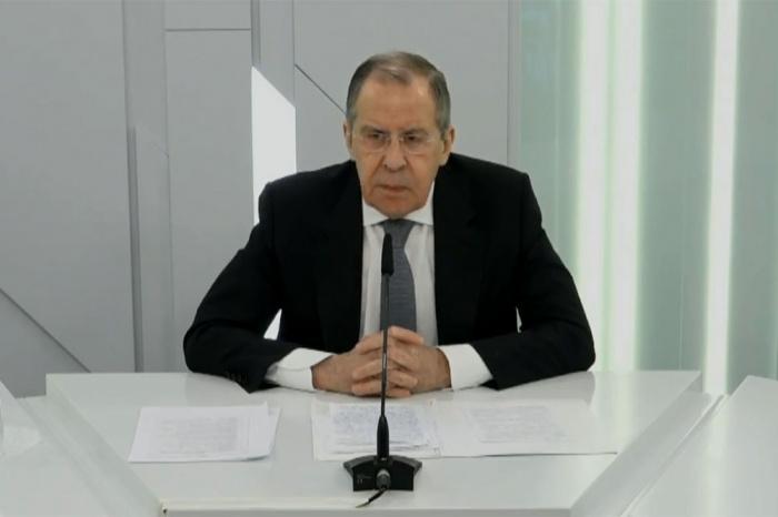 Глава МИД РФ принял участие в видеоконференции с коллегами из арабских стран.