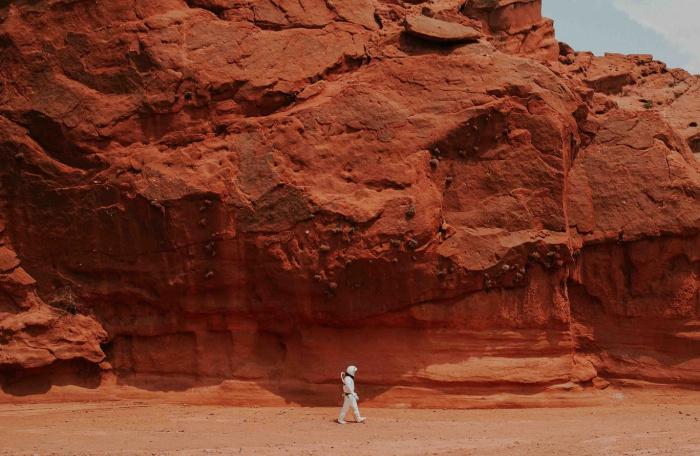 Наличие воды увеличивает вероятность микробной жизни на Красной планете или под его поверхностью