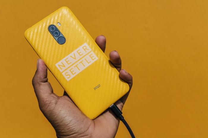 Ключевое правило корректной эксплуатации телефона — не допускать разрядки батареи ниже 10%