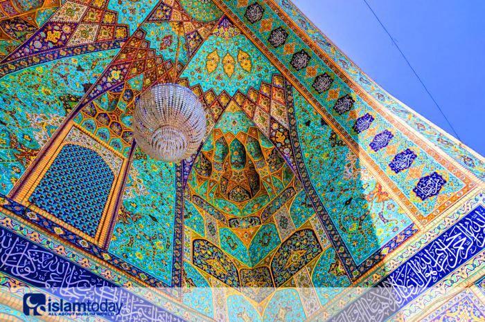 Стиль, объединяющий архитектуру Ближнего Востока