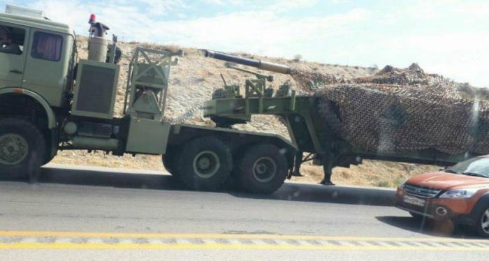 Фото перебрасываемой военной техники публикуют пользователи соцсетей.