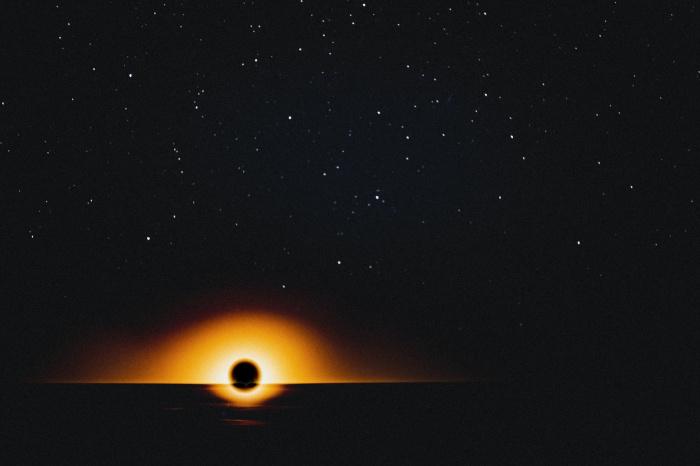 Гигантскую структуру наблюдали посредством комплекса оптических телескопов VLT (англ. Very Large Telescope)