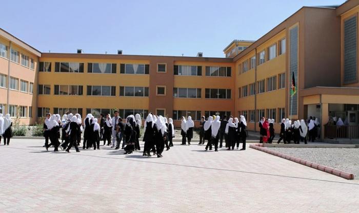 Террористы, по словам представителя полиции Кабула Фердоуза Фарамарца, собирались сорвать предстоящий День учителя