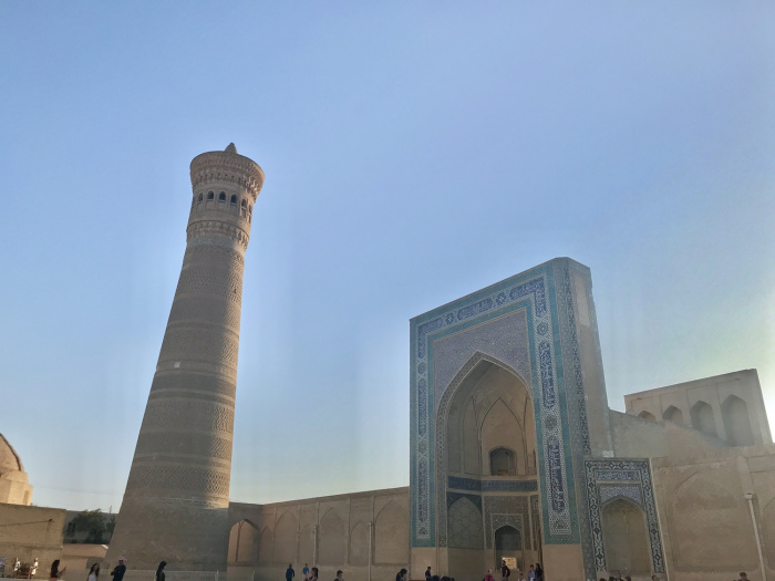 Мечеть Пои Кайлон, медресе и минарет, Бухара (Фото: Ношин Бокт)