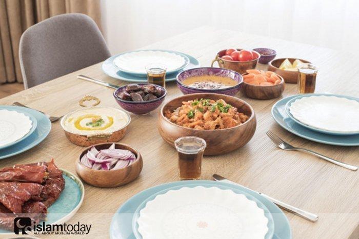 Достоинства произнесения басмалы перед едой. (Источник фото: freepik.com)