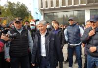 Атамбаев призвал Жээнбекова добровольно уйти в отставку