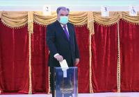 Эмомали Рахмон одержал победу на выборах президента Таджикистана