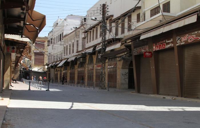 Власти Ливана закроют сотни населенных пунктов в связи с резким ростом заболеваемости коронавирусом.