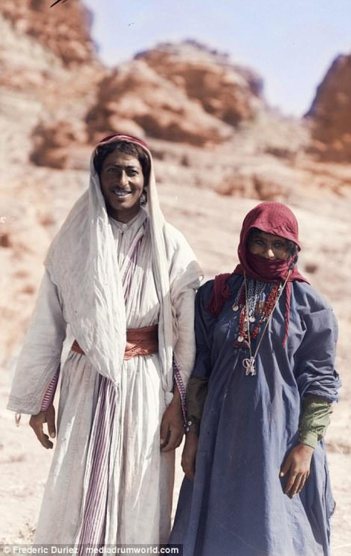 Цветные фото бедуинов Ближнего Востока, сделанные более 120 лет назад
