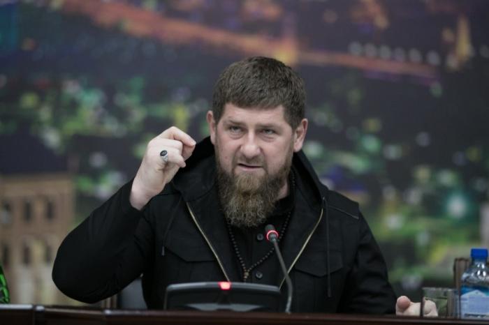 Глава Чечни прокомментировал убийство учителя во Франции.