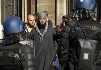 Франция вышлет сотни подозреваемых в экстремизме иностранцев