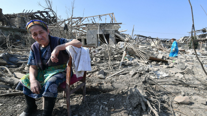 В Нагорном Карабахе продолжаются боевые действия.