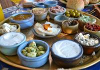 Отелям в ОАЭ начали выдавать сертификаты на кошерную еду