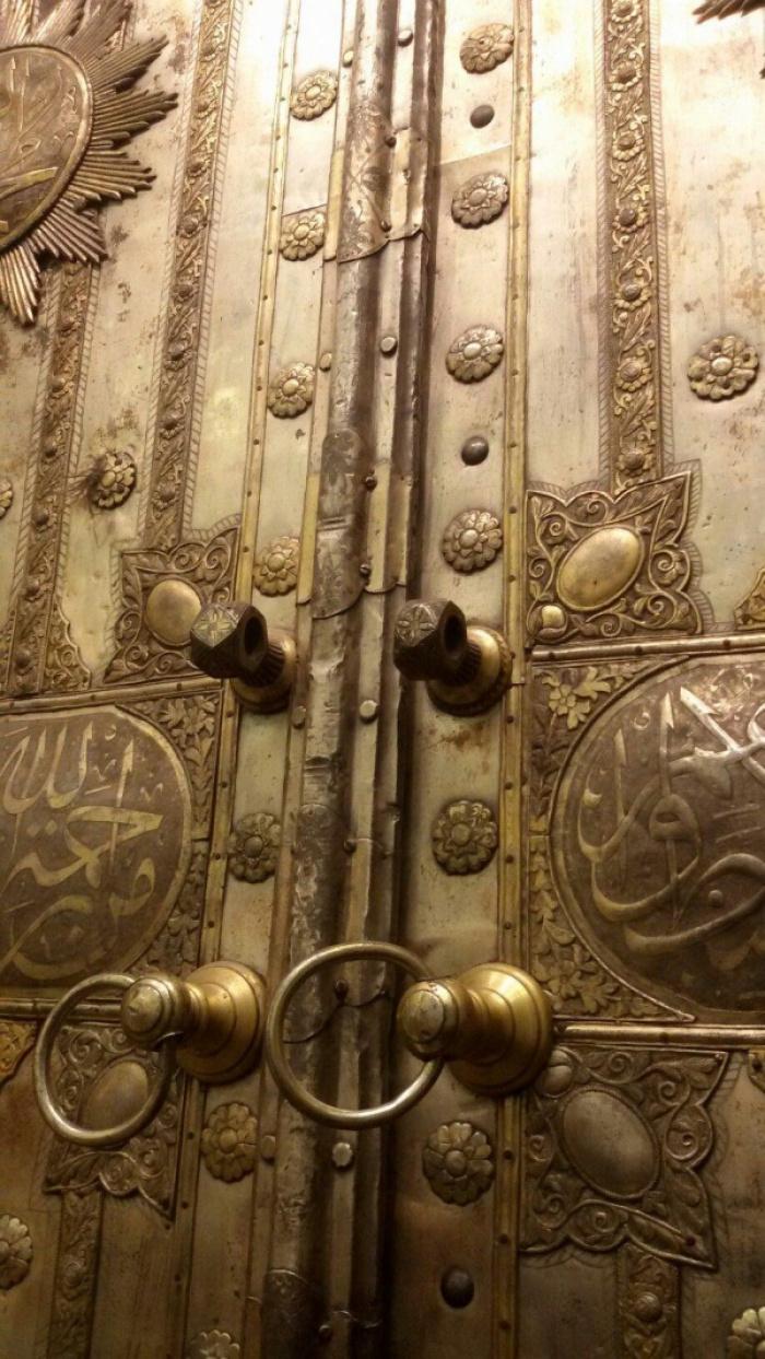 Самая старая дверь Каабы, сохранившаяся до наших дней (ФОТО)
