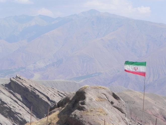 Военные Ирана усилили охрану границ страны.