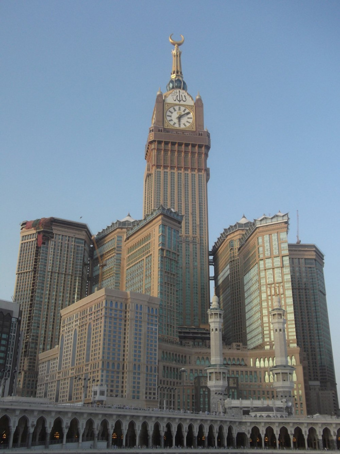 Человек, который создал те самые часы над Запретной мечетью в Мекке