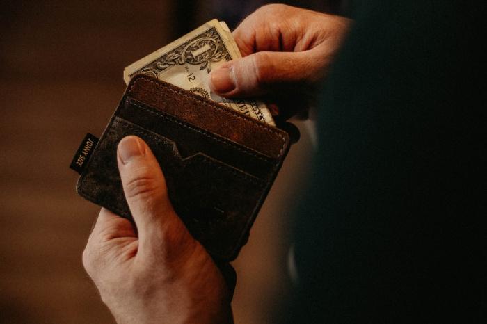 Сбережения в долларах практически не имеют доступных инструментов роста капитала