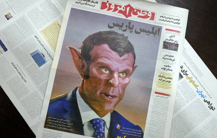 Карикатура на Макрона на первой странице иранской газеты.