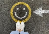 Стало известно о связи коронавируса с уровнем счастья