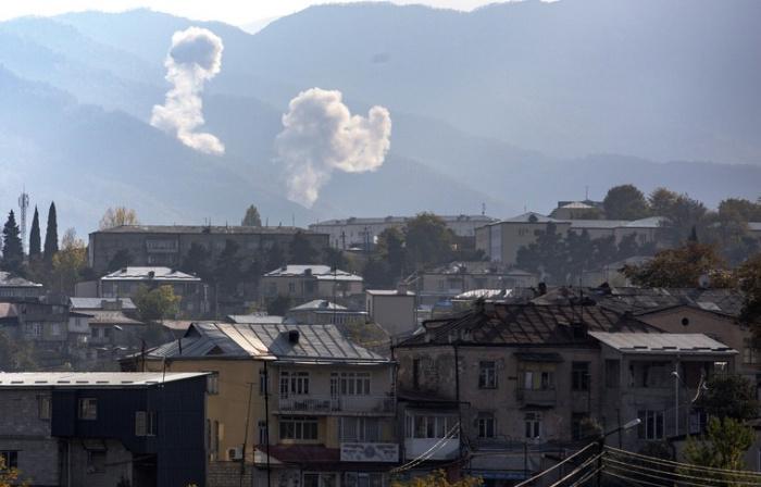 В Карабахе продолжаются боевые действия.