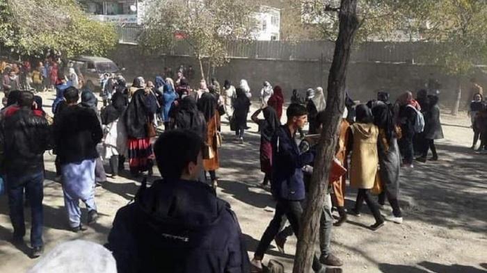 Боевики совершили нападение на университет в Кабуле.