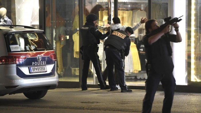 Выходцы с Кавказа задержаны в Вене после теракта.